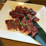 三宝苑 - 牛カルビ 牛ロースセット