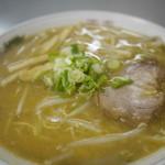まるたかラーメン - 料理写真: