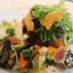 56812618 - ヨコワのマリネと季節野菜のサラダ仕立て トマトのソース