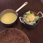 白のフライパン - スープ、サラダ
