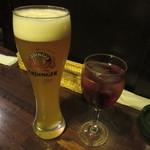 56815771 - エルディンガー・ヴァイスビール 300ml 760円 & ワインカシス 790円(+Tax+Service charge)
