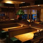 博士ラーメン別館 & HAKASE Thai 博士レストラン本店 -