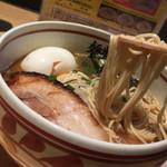 麺歩 バガボンド 本店 - 麺歩バガボンド本店(鹿児島県鹿児島市山下町)らー麺