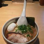 麺歩 バガボンド 本店 - 麺歩バガボンド本店(鹿児島県鹿児島市山下町)らー麺 680円