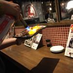 横浜 肉寿司 - 炙ってくれます♡