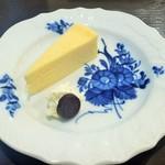 Kuromimirapan - ミニデザート、自家製チーズケーキ