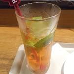 カフェ ソラーレ - アペロールモヒート
