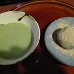 56824709 - 抹茶と和菓子
