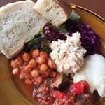 ステーションカフェ バーゼル - ランチ・おまかせデリ5種類の盛り合わせ、パン付き①