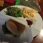 カフェ マツオントコ - VEGANバーガー(¥850)
