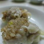 56828223 - しっかりした肉々しさに海老の風味。これも懐かしい味わいです。