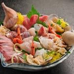魚がし食堂 中央市場店 - 刺身盛り合せ