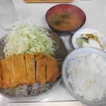 さん亭 - ランチロース定食 ¥800-