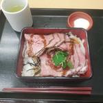 なか卯 - ローストビーフ重(並)¥790-