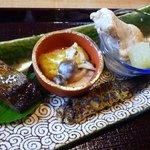 5684080 - 蕎麦遊膳 響(昼):蕎麦点心三種(にしんの煮付け、蕎麦粉と南瓜のニョッキ、鶏のスープ、蕎麦味噌)