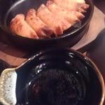 九州 熱中屋 - 鉄板餃子 これが良いです。^^