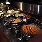 THE BUFFET STYLE SARA - おいしそうな料理がいっぱい