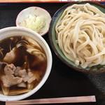 56842963 - 肉うどん・大盛り(600g)