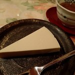 プチホテル コリンシアン - 夕食⑥;デザートのチーズケーキ(レア) @2016/09/18