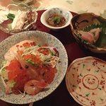プチホテル コリンシアン - 料理写真:夕食①;最初のセッティング.品書のうち三品 @2016/09/18