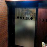 56850743 - 店舗入口「店舗は歌舞伎町の雑居ビル6F」