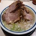 56852083 - 16-09                       塩チャーシュー麺                        2052円(税込み)