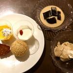 56853972 - 杏仁豆腐・マンゴープリン・ポテトの飴だき・ごま団子・黒糖豆乳プリン・コーヒーゼリー
