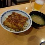 山吹 - うな丼(ランチタイム、1580円)
