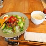喫茶 Stove - タコライス