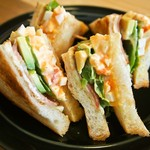 喫茶 Stove - ベーコンと玉子のサンドイッチ