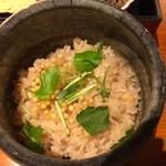 龍名館本店 - ほうじ茶で炊いたご飯