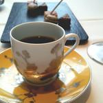 レスプリ ドゥ クゥー ドゥ フランス - 珈琲と小菓子