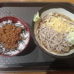 56858813 - 鶏そぼろ丼+そば