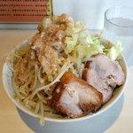 56863094 - らーめん750円 野菜多め・脂