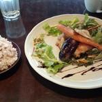 BOICHI - 鶏の燻製ロースト(日替わりソース)セット(1000円)