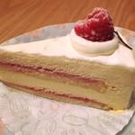ケーキ キャラウェイ - 料理写真:レアチーズケーキ ¥399内