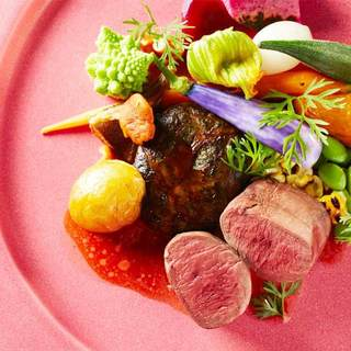 洗練された美食と健康が一皿に共存した野菜たっぷりの新スタイル