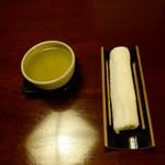 懐石 辻留 - セッティング 煎茶 おしぼり