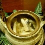 懐石 辻留 - 松茸と鱧の土瓶蒸し