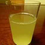 懐石 辻留 - 冷緑茶は祇園辻利の物