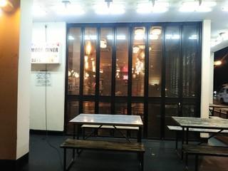デモデダイナー 福生店 - このガラスの蛇腹も何となくアメリカンっぽく感じます。
