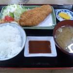 56876432 - サービスかつ定食(610円)