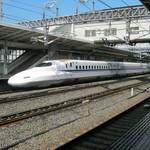 56879624 - 米原駅での東海道新幹線。