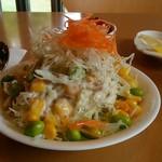 芭里音 - 料理写真:芭里音カレーに付いてくるサラダアップ