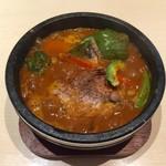 スープカリー 仙堂 - チキンカレー辛さ10番880円、石鍋グツグツ熱々です♪