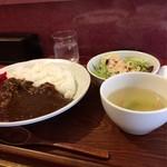 焼串にくらぼ - 牛すじカレーのランチ(700円)