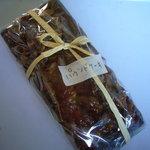 5689744 - ラム酒漬けのクルミが入った「パウンドケーキ」(1000円)
