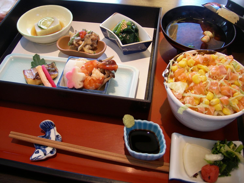 日本料理うおり