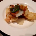 中国鮮家 響鈴 - 海老と紋甲イカ天ぷら辛酢味かけ