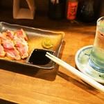 桃谷温酒場 - 料理写真:知覧どりのももタタキ & 冷酒